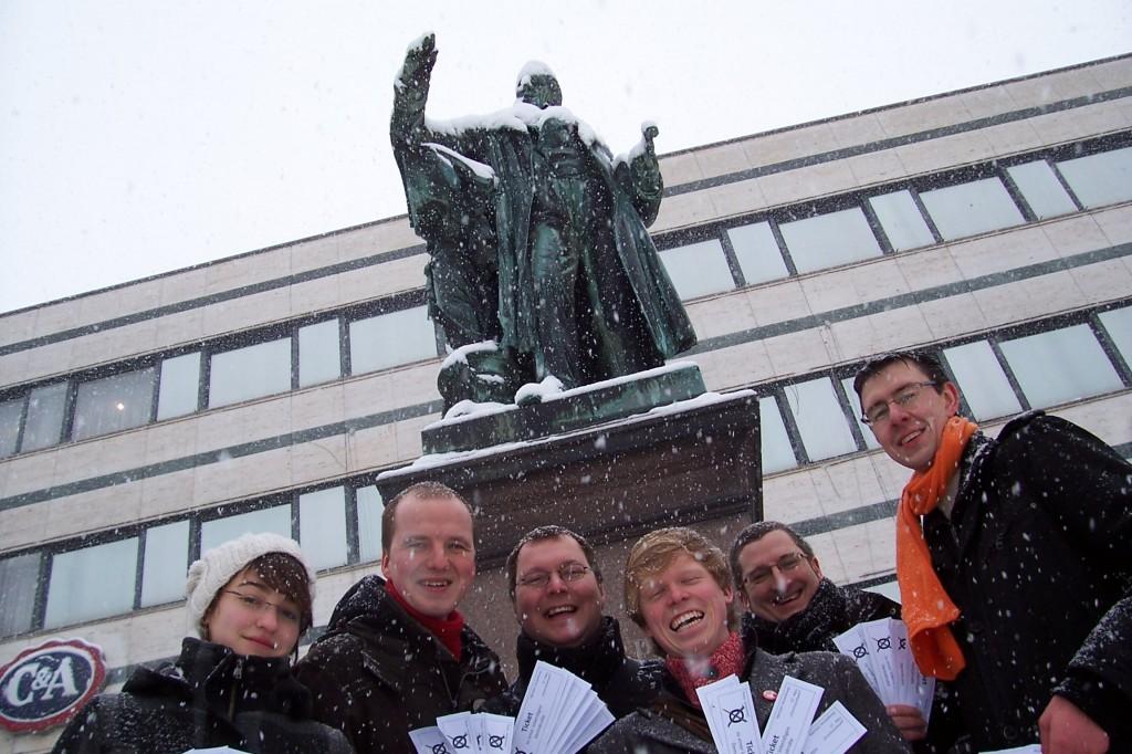 Smart Mob Wählen gehen am Opernplatz Kassel